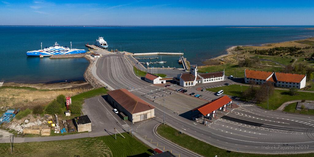 Kuivastu sadama panoraam